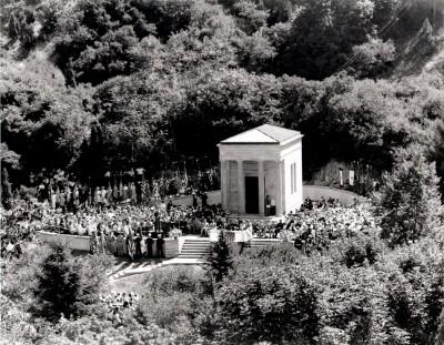 Tour Meditation Chapel in Memory Grove Park