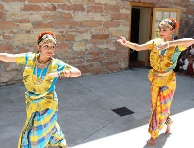 Mondays in the Park 2016: Anabil Chaudhuri and Friends, Kargi Kala Kendra, Karpaty Dance Ensemble