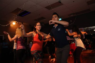 Bachata Latin Dancing for Beginners - Smooth, Romantic Dancing to a Great Beat!