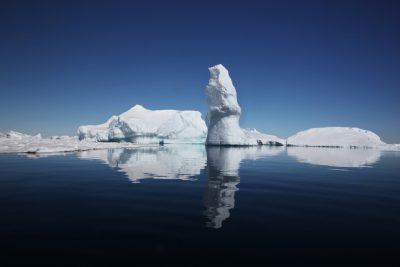 Blue Desert - Towards Antarctica/Geoff Pingree and...