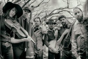 Owl Bar Live Music: Six Feet in the Pine