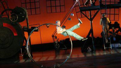 Cirque Mechanics - Birdhouse Factory