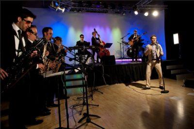 Shaun Canon & the Pops Orchestra .